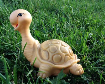 Turtle rubber toy. Bath rubber toy. Vintage turtle. Doesn't squeak collectible toy