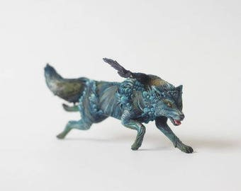 Wolf, figurine wolf and raven ,wolf statuette
