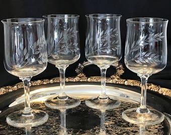 Etched Palm Cut Crystal Tulip Shaped Wine Stemware Set of 4 - Vintage Elegance