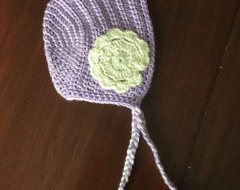 Light purple and white flower bonnet