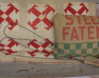 Antique Rug Beater - Heart Shaped - Pillow Fluffer - Wire Rug Beater - Farmhouse Decor - Primtiive Decor