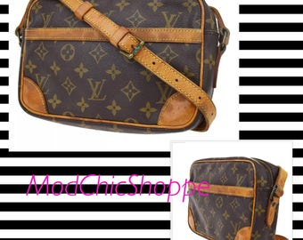 Louis Vuitton Vintage Trocado Crossbody Purse. Authentic Monogram Canvas