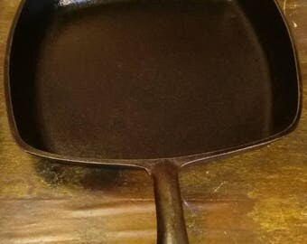 Antique unmarked cast iron pan
