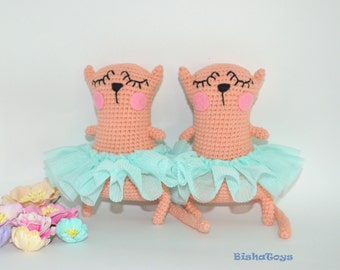 Mary the Ballerina cat amigurumi crochet pattern