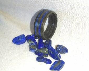 Gray Ebony and Lapis Lazuli bent wood ring, Wood Rings, Blue Stone, Lapis Lazuli, Natural Jewelry, Wedding Band