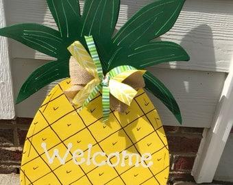 Pineapple wood decor