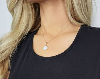White Druzy Necklace - Circle Druzy Pendant  - White Druzy Jewelry - Gemstone Jewelry- Mother's Day Gift - 14k Gold Filled Chain 《the Maely》