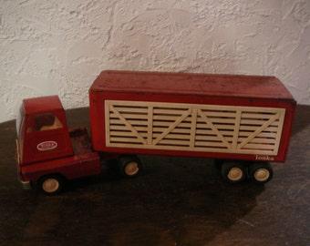 Tonka semi truck with cattle trailer