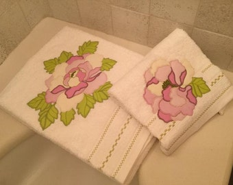 Pair of pink Peony towels