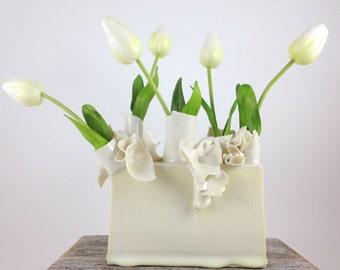 Tapestry vase in cream