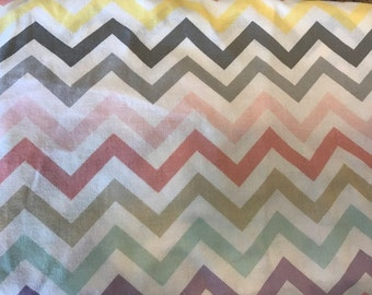 Fitted Crib Sheet Rainbow Chevron