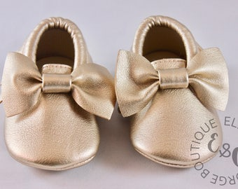Baby Moccasins, Bow and Fringe Moccasins, Gold, Silver, Black, Baby Shoes, Baby Crib Shoes, Toddler Shoes, Eco Friendly Moccasins