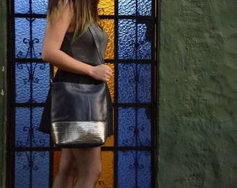 Leathershoulderbag - darkblue & silver
