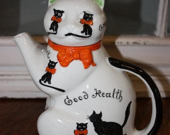 Vintage Unusual Wood & Sons Ltd 'Pussyfoot' Good luck/health Teapot