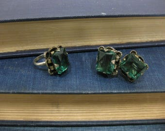 Victorian Emerald Green Glass Ring and Screw Back Earring Set