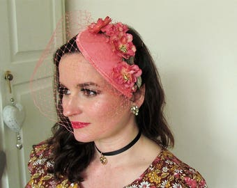 Vintage Inspired 1940/1950 Pink Teardrop Fascinator
