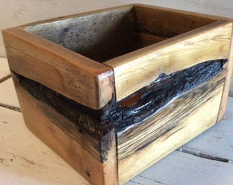 Little Wood Box - Small Planter - Indoor or Outdoor - Pallet Wood - Catch All - Kitchen Counter