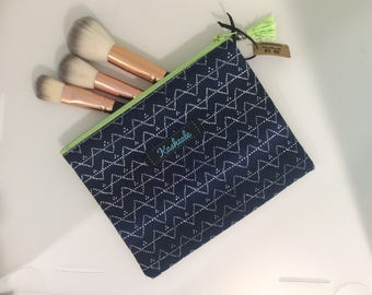 Small Handmade Cosmetic Bag, Cell Phone Pouch, Mobile Clutch, Make Up Bag, Zipper Pouch, Passport Holder, Ladies Gift.Navy and White.