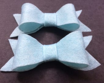 2 x blue felt bow hair clips