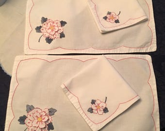 Set of 2 Vintage Linen Appliqued Placemats with matching napkins Embroidery