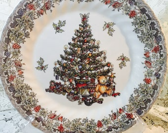 Queen's Myott Seasons Greetings Dinner Plate - Made In Columbia - Holiday