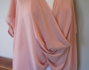 Infinity Swing Top in soft peach