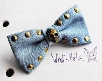 Bow-brooch and bow tie