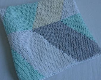 Knitted baby blanket with geometric pattern 50 x 70