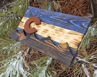 Distressed and rustic Colorado flag-Rustic pine 3D