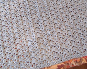 Fan and V-stich pale blue baby afghan/blanket