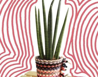 Cache Pot weaving and Crochet