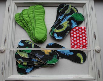 "FREE SHIPPING - Dinosaurs Cloth Pad Set - 16 pads 8"" waterproof PUL including bag cotton flannel"