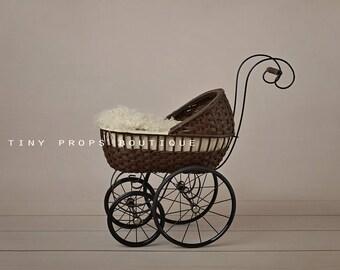 Digital background/backdrop for newborn photography - Vintage pram