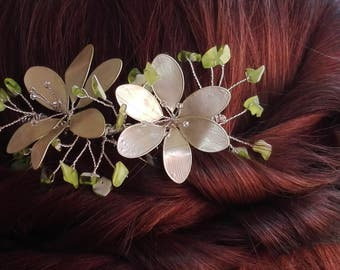 Green pastel flower headdress