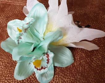 Large double lily and double turquoise orchid hairflower