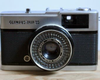 OLYMPUS Trip 35 Point & Shoot Camera 35mm with Original Case - Made in Japan