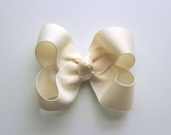 Ivory Hair Bow - 3 inch - Boutique Bow - Baby - Girl - Toddler - Grosgrain Ribbon