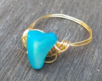 Brilliant blue stone ring