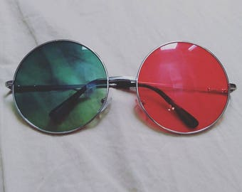 Noodle Glasses from Saturnz Barz Song on Humanz Album by Gorillaz