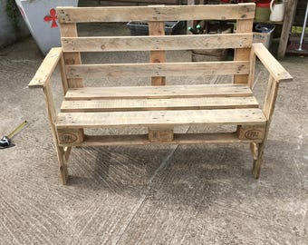 Of pallets wooden bench