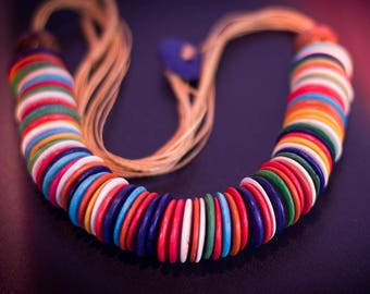 Necklace color trend, sustainable, made of green coconut