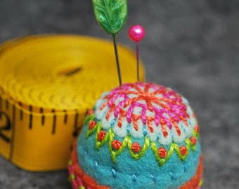 FREE SHIP made to order Pinwheel Bottlecap Pincushion