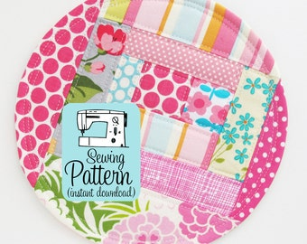 Patchwork Coasters PDF Sewing Pattern | Easy sewing project to learn to make log cabin style patchwork while using up your fabric scraps.