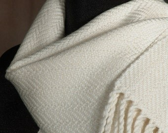 White scarf / handwoven merino wool / winter scarf