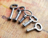 Teenie Tiny Antique Key Charms - Heart Key // New Year Sale - 15% OFF - Coupon Code SAVE15