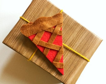 Cherry pie gift tag/ornament