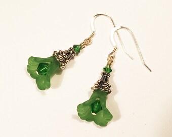 Zinnia - green flower dangle earrings - glass beaded earrings - teen earrings - bridesmaid gift