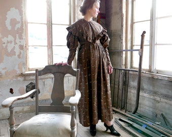 1830s Cotton Dress With Pelerine Collar XS