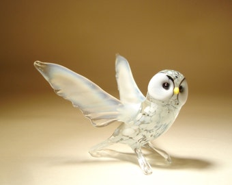 Blown Glass Figurine Art  Bird White Polar North OWL with Open Wings