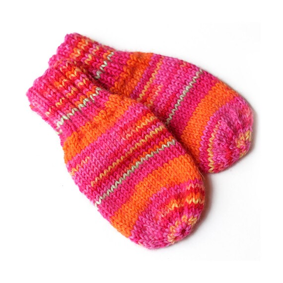 Knitting Pattern For Baby Mittens Without Thumb : No String Thumbless Mittens. Knit Winter Mitts Without Thumbs.